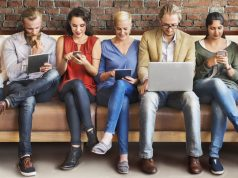 עובדים גולשים באינטרנט
