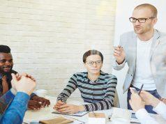 להיות פעיל בפגישות עבודה
